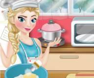 Эльза готовит пиццу