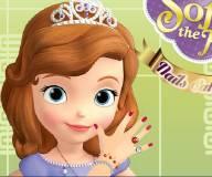 Принцесса София в маникюрном салоне