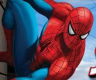 Человек паук:Человек паук ползающий по стене