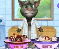 Говорящий кот:Кот Том стирает кукол